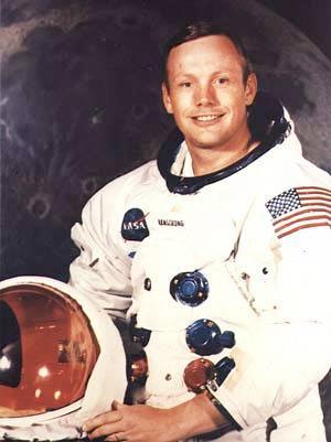 Muere a los 82 años el astronauta Neil Armstrong, el primer hombre que pisó la Luna