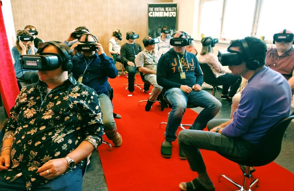 virtuaali lasit