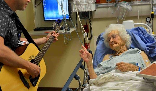 Música Como Elemento Terapéutico En El Hospital