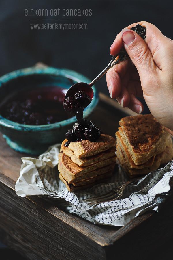 einkorn oat pancakes | seitanismymotor.com