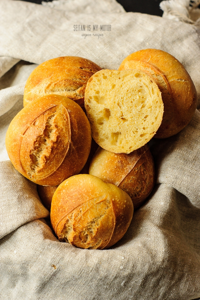 rolls made with yellow wheat flour (gelbweizen)