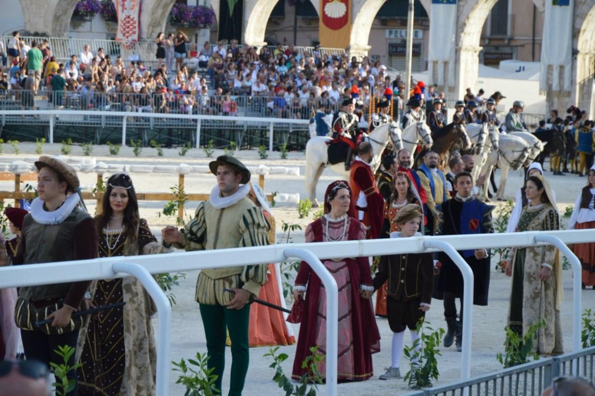 Crociati e Trinitari alla Giostra Cavalleresca di Sulmona