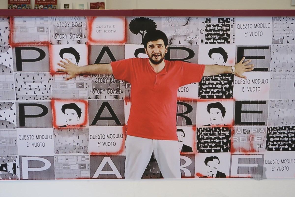 """I tanti """"io"""" di Ernesto Saquella, inaugurata la mostra del 'Filosofo per mezzo del colore' (GALLERY)"""