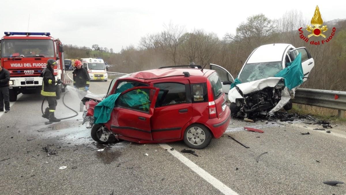 Tragico incidente sulla Bifernina, cinque i morti
