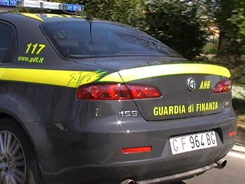 Capi contraffatti tra Nocera Inferiore ed Angri, nei guai una persona