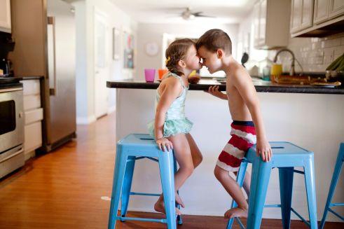 raising boys vs girls l raising boys and girls l difference between raising a boy or girl