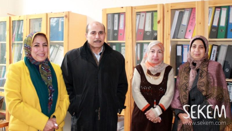 Dr. Ahmed Ismail mit seinen Kollegen