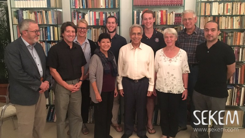 The Oikocredit-Gäste mit SEKEM Gründer Dr. Ibrahim Abouleish.