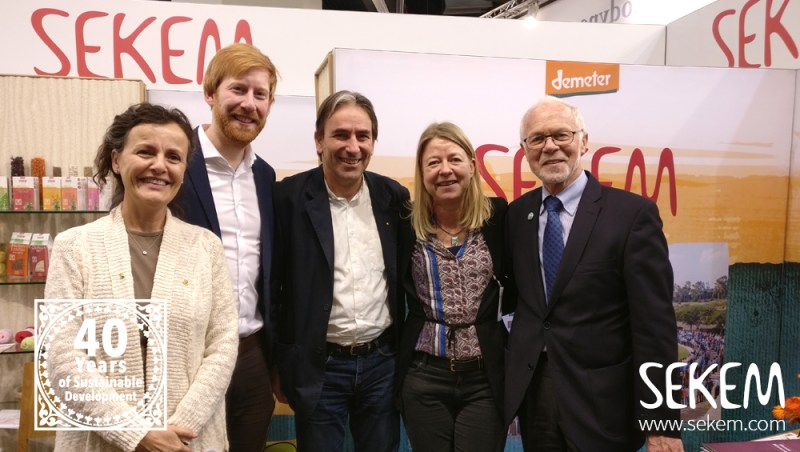 Meeting Friends: l. to r. Konstanze Abouleish (SEKEM), Tim Janßen (CEO Cradle to Cradle), Helmy Abouleish (SEKEM), Katja Hansen (Cradle to Cradle) and Ulrich Walter (CEO Lebensbaum)