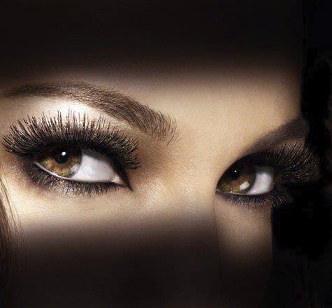 Gözlerine Bakarken – Nazım Hikmet