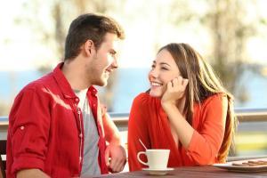 uwodzenie wzrokiem na randce