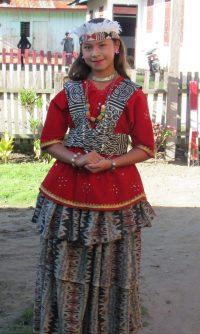 Pakaian Adat Sulawesi Tengah