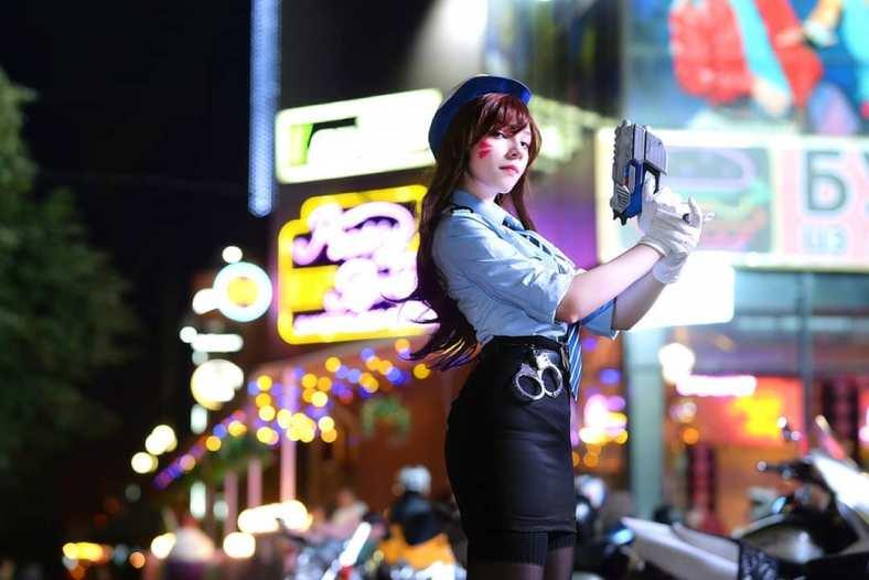 Lindo Cosplay Feminino da D.VA Policial, com uniforme - Overwatch - Cosplay com minissaia temática 02