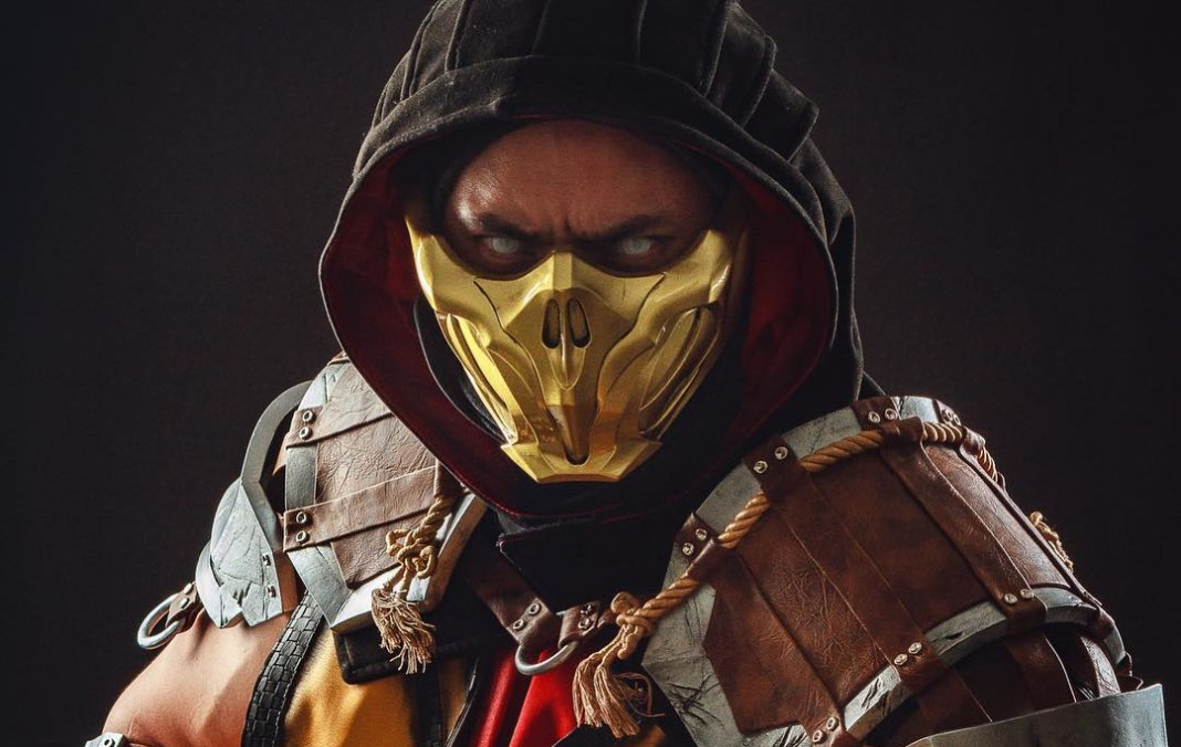 Scorpion Cosplay Impressionante - Mortal Kombat 11 - Foto