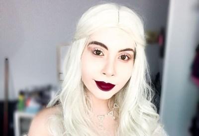 Belo cosplay da Rainha Branca, de Alice