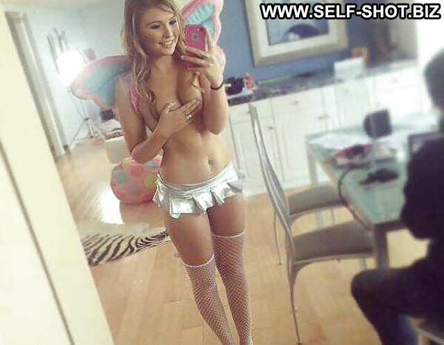 Phyliss Private Pictures Teen Amateur Self Shot Hot Selfie Babe