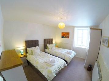 bedroom-downstairs-zip-1200