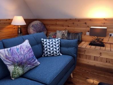 lounge-sofa2000x1500