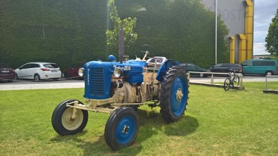 Tractor in the area of Sonnentor