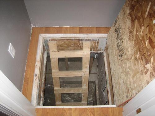 Turn Your Basement Into A Bunker Use Your Belongings For