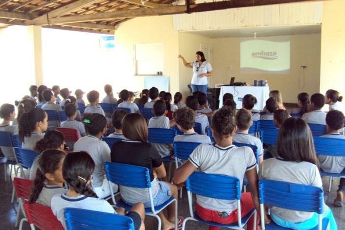 26.08.15_Embasa promove palestra educativa Cristópolis_Colégio Eliézer José Gonçalves_2