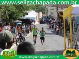 O atleta Cebion na chegada ainda disputou a classificação com um corredor mais jovem