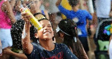 Brincadeira das crianças, 'espuma de Carnaval' pode ser proibida em Salvador