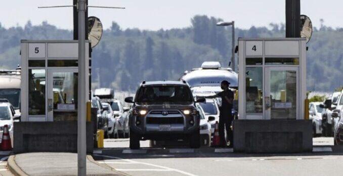 EEUU amplía la prohibición de viajes no esenciales hacia las fronteras