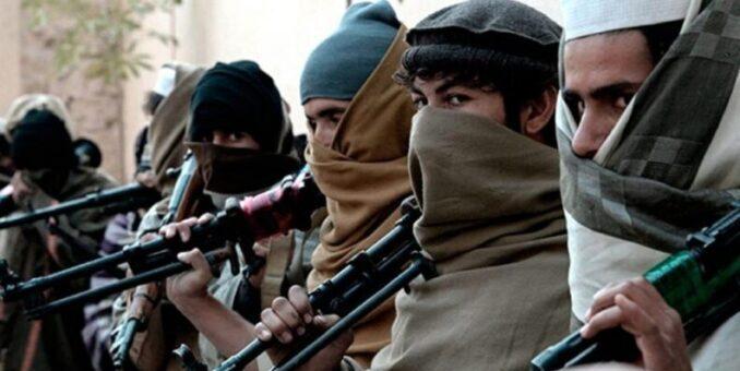 Los talibanes ratifican que el martes tomarán el control del aeropuerto de Kabul