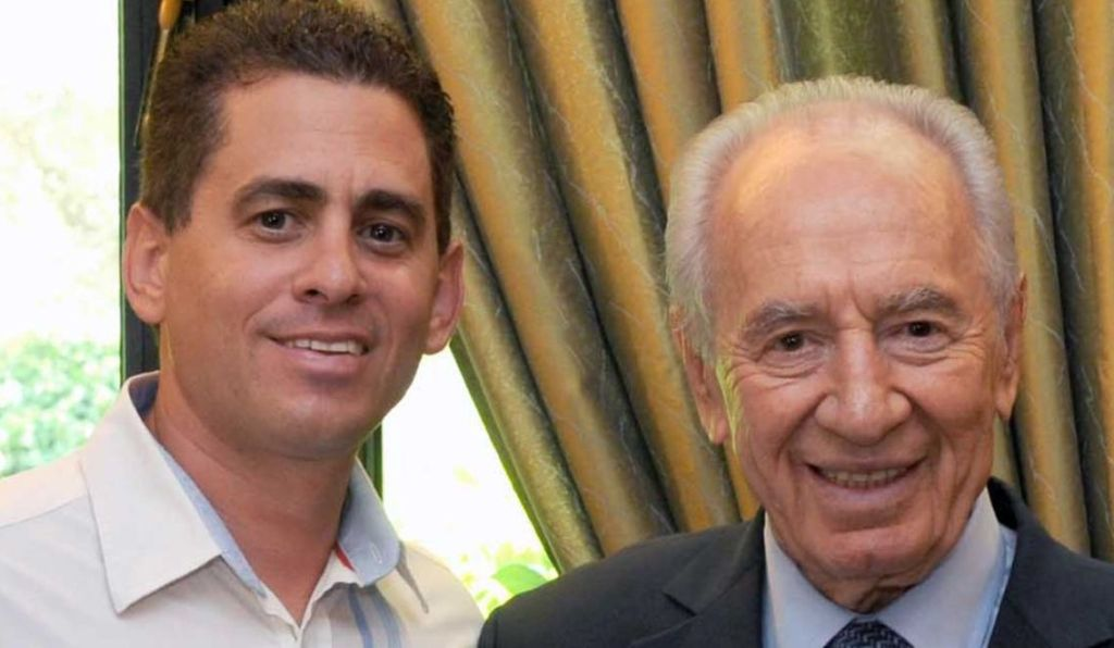 Shay Gross con Shimon Peres