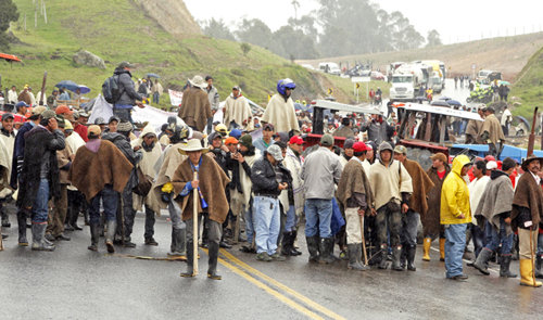 Sectores sociales en coincidencia con el pliego de peticiones. Foto cortesía El Diario, Hisrael GarzonRoa.