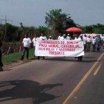 """Campesinos de Bolívar marchan contra """"conflicto dentro de otro"""""""