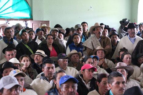 Comunidades campesinas del Duda, se reúnen para exigir garantías de paz. Foto Boris Orjuela.