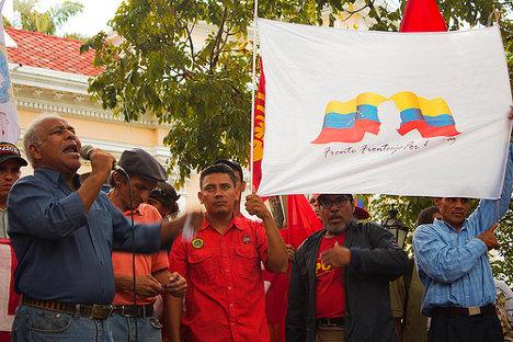 Concentración contra el fascismo en Caracas. Foto: subcomunicad☭r via photopin (license)