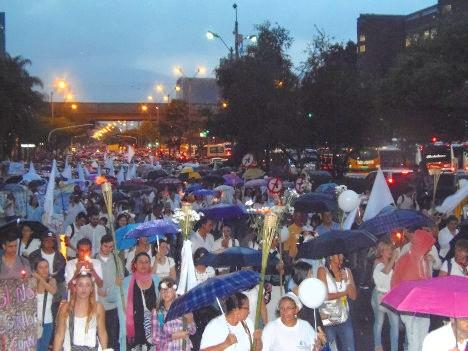Aspecto de la marcha realizada en Medellín en apoyo al proceso de paz.