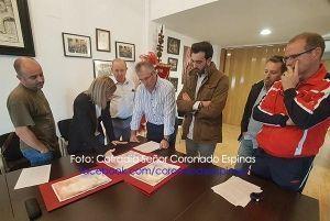 El pintor José Tomás Pérez Indiano será el encargado de confeccionar el Cartel de la Semana Santa de Jerez de los Caballeros 2017