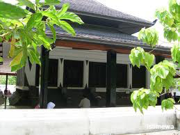 tempat wisata Makam Kadilangu