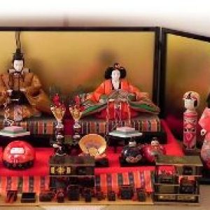 semestafakta-hina dolls
