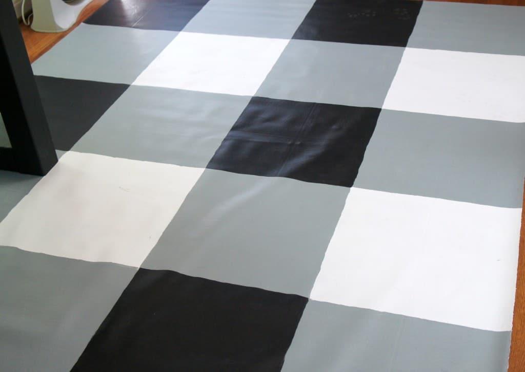 diy buffalo check painted vinyl floor