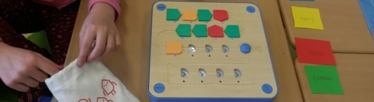Cubetto Roboter programmieren