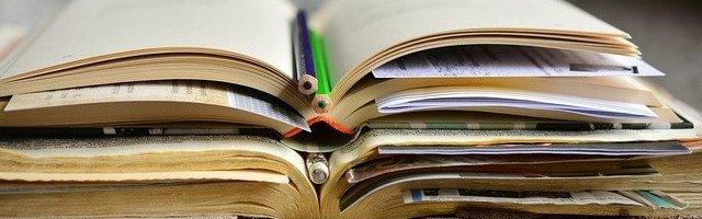 Bücher Lernmaterialien