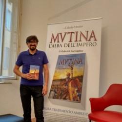 """GALLERY-Debutto romanzo """"Mvtina, l'alba dell'Impero"""" di Gabriele Sorrentino, Libreria Ubik, Modena, 6 settembre 2017 (foto AA.VV.)"""