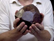 enorm granaat kristal
