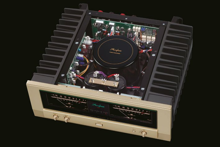 Accuphase P 4500 Stereo Power Amplifier 03