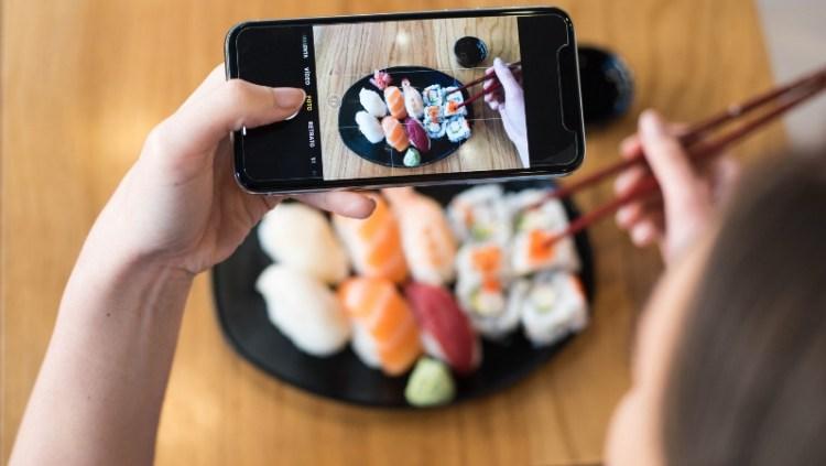 Ristorante di Milano offre sushi gratis in base ai followers su Instagram