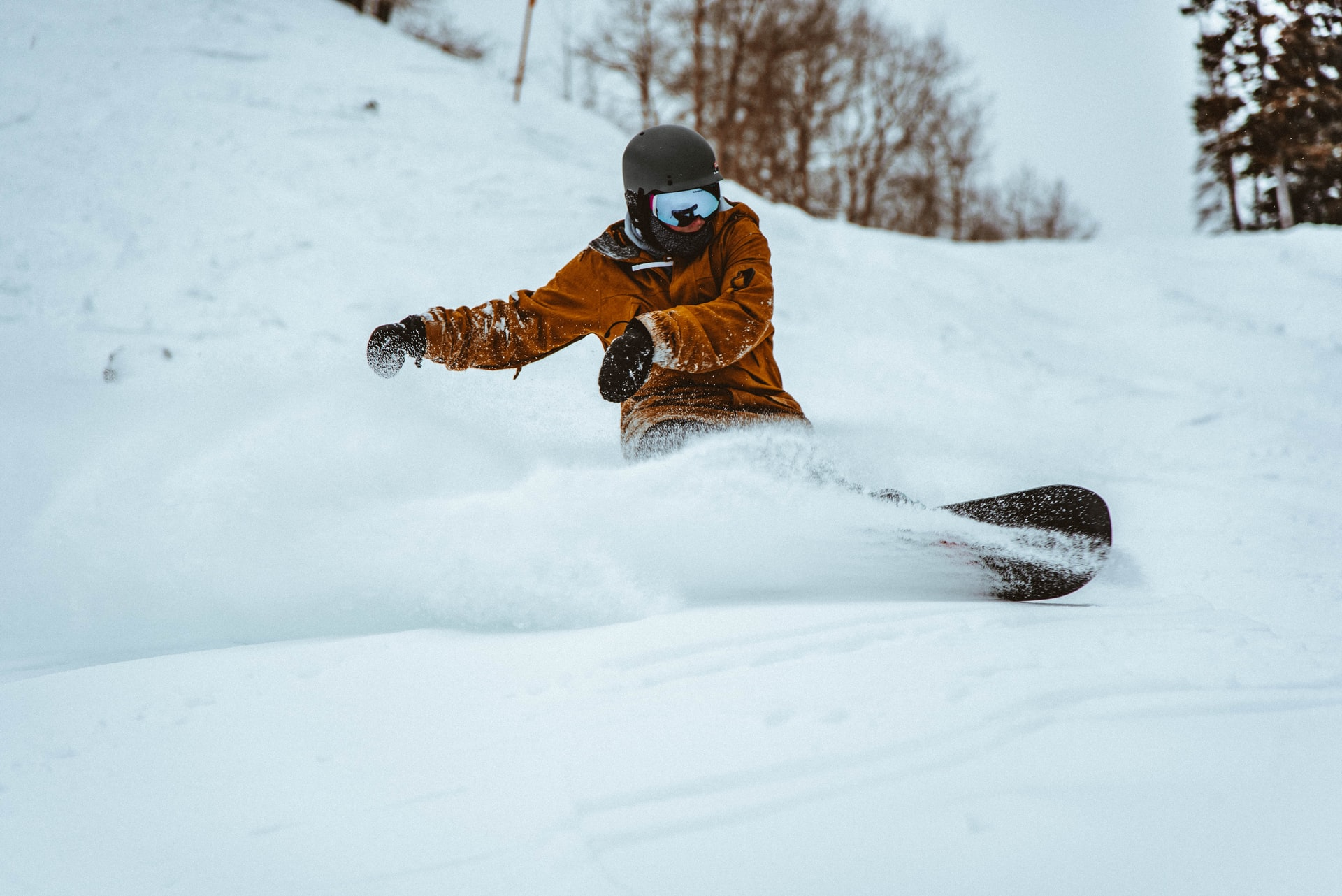 Creative Ways to Entertain Yourself After Snowboarding