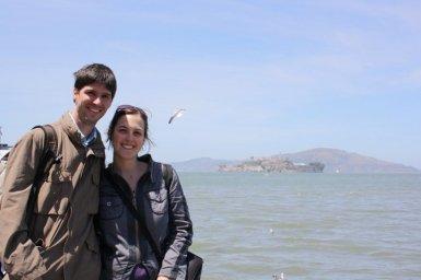 Alcatraz al fondo