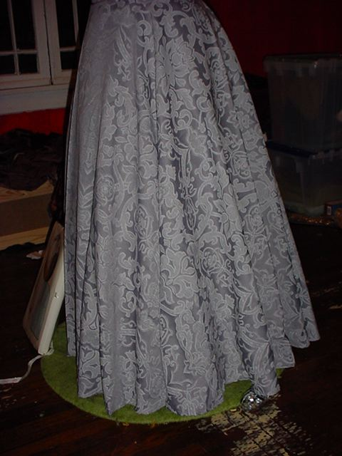 You Can Make A Lovely Skirt From A 90 Table Cloth