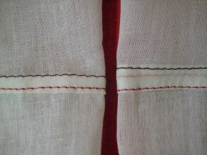 """Comparison: A """"real"""" Flat Fell seam (left) against the Fake Flat Fell (right)."""