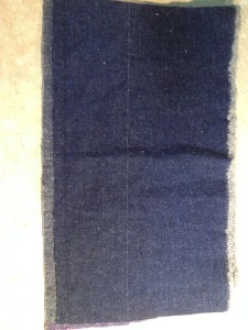 I strongly recommend cutting down the inner seam allowance by half, to reduce bulk.